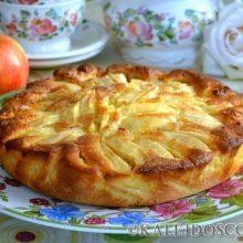 Очень простой и быстрый итальянский рецепт деревенского пирога с яблоками.