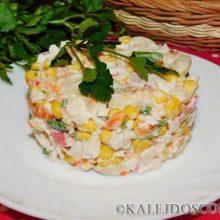 Салат с кукурузой, шампиньонами и крабовыми палочками