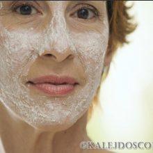 РЕЗУЛЬТАТ ШОКИРУЕТ!!! Я советую всем, кто хочет омолодить кожу лица, избавится от морщин и убрать пигментные пятна!
